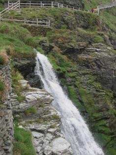 Küstenabschnitt - Grafschaft Cornwall - Tintagel - Wasserfall
