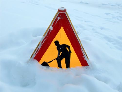 Schneebaustellenschild